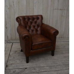 Buttoned Back Leather Arm Chair
